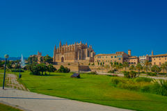 PALMA DE MALLORCA, SPAIN - AUGUST 18 2017: Beautiful view of Cathedral of Santa Maria of Palma La Seu in a gorgeous blue Stock Images