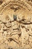 PALMA DE MALLORCA SPANIEN, 2019: Statyn av den obefläckade befruktningen på den barocka portalen av kyrkliga Iglesia de San Franc royaltyfria foton