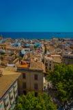 PALMA DE MALLORCA, SPANJE - AUGUSTUS 18 2017: Schitterende mening van daken van de stad van Palma de Mallorca met de Kathedraal Stock Foto