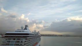Palma-de-Mallorca, Spanje - 02 Oct, 2018: Achtersteven en raad van cruisevoering stock footage