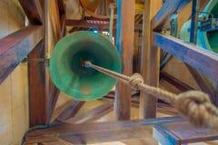 PALMA DI MAIORCA, SPAGNA - 18 AGOSTO 2017: Vista dell'interno della cattedrale della chiesa di Eulalia del san con una campana ve Fotografie Stock