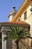 Palma e chiesa a Nizza in Francia Fotografie Stock