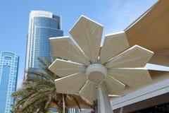 A palma esperta está na exposição automóvel 2017 de Dubai fotos de stock