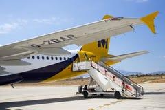 PALMA-FLUGHAFEN, MALLORCA - 1. AUGUST 2015 Flugzeug-Treppe an der Rückseite des Monarchen Airbus A320 Lizenzfreie Stockbilder