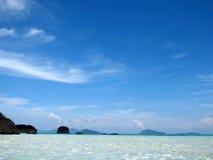 Palmas de coco en la playa Imagenes de archivo