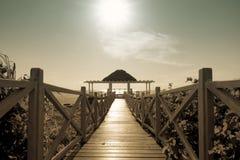 Palmbladenschuilplaats in Caraïbisch paradijs, Cayo Guillermo, Cuba stock foto's