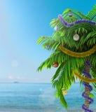 Palme des neuen Jahres mit Dekorationskonzept-Feiertagshintergrund Stockbild
