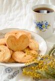 Palmeras - pâte feuilletée douce Biscuits en forme de coeur avec du sucre Photographie stock libre de droits