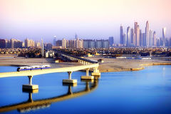 Palmowy Jumeirah Jednoszynowi i Dubaj drapacze chmur Zdjęcia Royalty Free