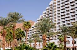 Palmtrees ed hotel Fotografia Stock Libera da Diritti
