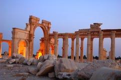 Palmyra an der Dämmerung Stockbild