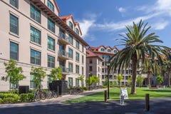 Palo Alto, CA/USA - circa im Juni 2011: Wohnschlafsäle von Stanford University Campus in Palo Alto, Kalifornien Stockfotos