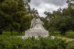 PALO ALTO, usa - Styczeń 11, 2017: Anioł żal statua przy zdjęcia royalty free