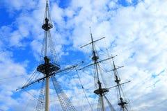 Palo del cielo y de la nave fotografía de archivo