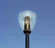Palo della lampada sopra il cielo blu Fotografie Stock