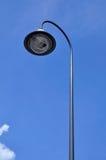 Palo di iluminazione pubblica con il cielo blu. Fotografia Stock Libera da Diritti
