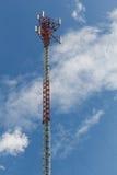 Palo di telefono con chiaro cielo blu Immagini Stock Libere da Diritti