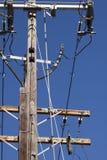Palo elettrico ad alta tensione Fotografie Stock
