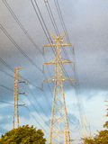 Palo elettrico ad alta tensione Immagine Stock