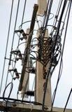 Palo elettrico con i collegare Immagine Stock Libera da Diritti