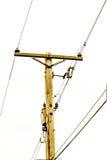 Palo leggero elettrico e linee Fotografia Stock Libera da Diritti