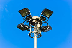 Palo leggero sul fondo del cielo blu Fotografia Stock Libera da Diritti