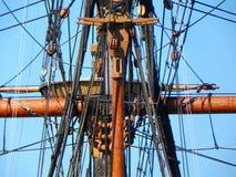 Palo y aparejo en Mayflower 2 en Plymouth Massachusetts imagen de archivo