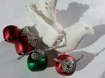 Paloma de la Navidad blanca Fotos de archivo libres de regalías