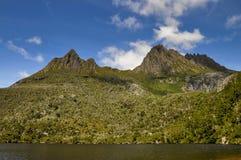 Paloma del lago y montaña de la cuna Fotos de archivo libres de regalías
