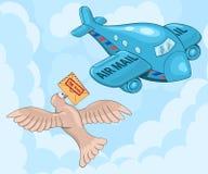Paloma mensajera y avión Imagen de archivo libre de regalías
