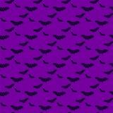 Palos negros en fondo púrpura Modelo de Halloween Fotografía de archivo libre de regalías