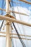 Palos y aparejo de una nave alta histórica Imagen de archivo
