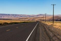 Palouse kraju autostrada iść wewnątrz odległość staczać się pustynnych wzgórza wewnątrz obrazy royalty free