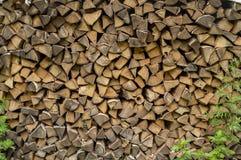 Palowa ?upka przygotowywaj?ca dla graby Kiln wysuszony drewno dla ogienia Brzozy t?o obrazy royalty free