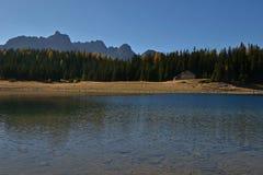 Palu sjö i hösten - landskap av Valmalenco, Valtellina, Italien Royaltyfri Foto