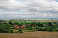 Paludi di Lincolnshire vedute da una collina nei Wolds immagine stock