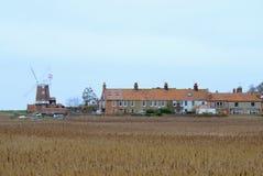 Paludi e villaggio di Cley Immagine Stock