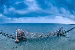 Pamban桥梁-连接Rameswaram镇班本岛的到大陆印度的一座铁路桥 库存图片