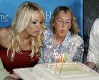Pamela Anderson Celebrates 40th födelsedag royaltyfri foto