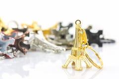 Pamiątkarski kluczowy łańcuch mini wieża eifla & x28; Wycieczka turysyczna Eiffel& x29; Obrazy Stock