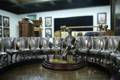 Pamiątkarskie postacie dwanaście krzeseł i astapa gięciarka Clous-up fotografia royalty free