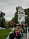 Pamiątkowy wiec jako część odbudowy bitwa wojna światowa 2 blisko Moskwa fotografia stock