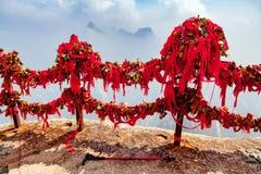Pamięć kędziorki na świętej Huashan górze Chiny zdjęcia royalty free
