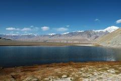 pamirs de lac d'altiplano Image stock