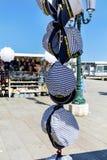 Pamiątkarscy żeglarzów kapelusze od Wenecja Zdjęcie Royalty Free