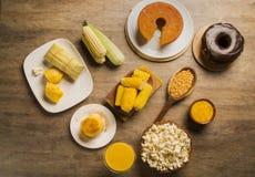Pamonha und Curau karren den Verkauf - typisches Lebensmittel des Grünkerns - geschmackvoll lizenzfreie stockfotos