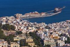 Pamorama к порту городка Ermopoli, Syros, Греции Стоковые Изображения RF