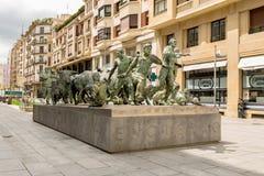 PAMPLONA, NAVARRA, SPANJE - MEI 01 2019: Perspectief van het mooie Monument aan Runnen van al Encierro van Stierenmonumento binne royalty-vrije stock foto