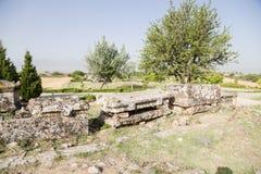 Pamukkale,土耳其 石棺在希拉波利斯大墓地的考古学区域  库存图片