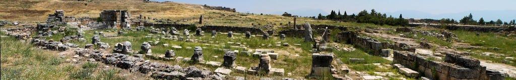 Pamukkale. Турция. Руины Hierapolis, древнего города Стоковое Изображение RF